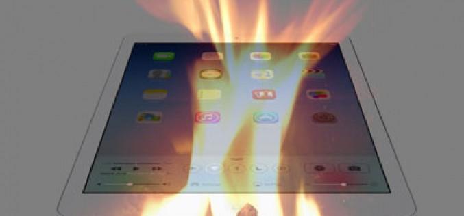 Quema un iPad pensando que era un trozo de cartón