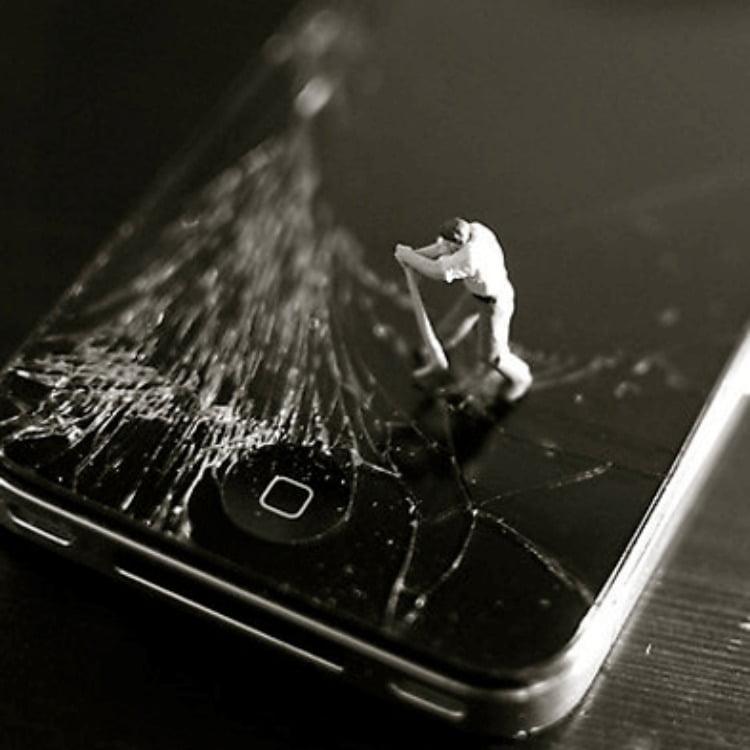 pantalla rota del móvil