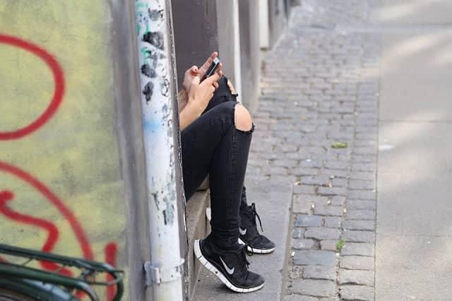 adolescentes teléfonos