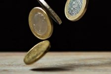 16 maneras de ganar dinero gracias al móvil