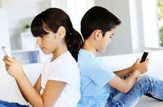 WhatsApp para menores