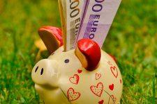 Los españoles pagan la mitad más que hace tres años por las tarifas convergentes
