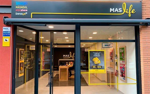 tienda Maslife multimarca grupo Masmóvil, Yoigo, Pepephone y Llamaya
