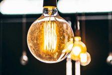 Masmóvil ilumina su oferta y duplica la velocidad de su fibra óptica