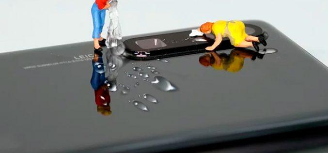 A prueba de virus y bacterias: pasos para limpiar y desinfectar el móvil